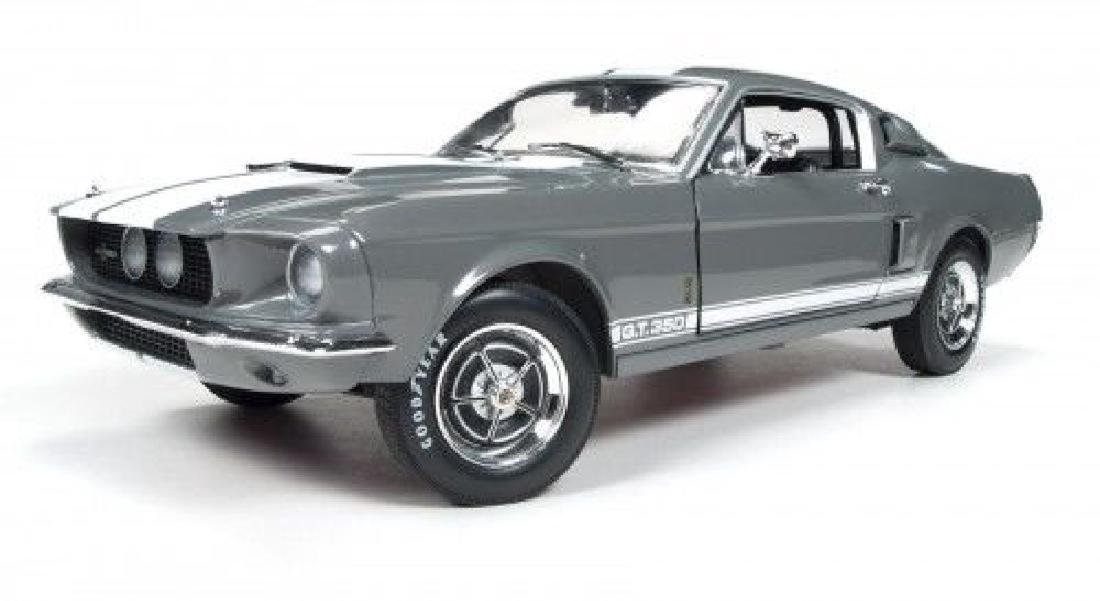 Auto World Scale 1:18 Shelby GT350 50 Anniversary 1967 - 7