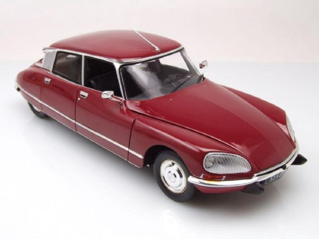 Norev Scale 1:18 Citroën DS23 1973 - 10