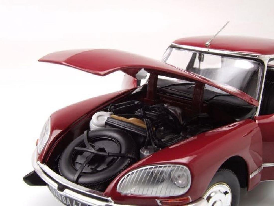 Norev Scale 1:18 Citroën DS23 1973 - 4