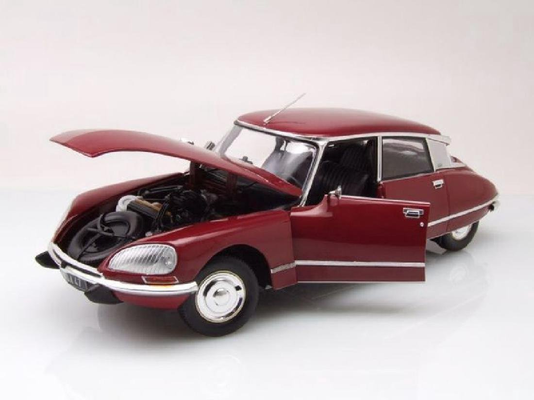 Norev Scale 1:18 Citroën DS23 1973 - 5