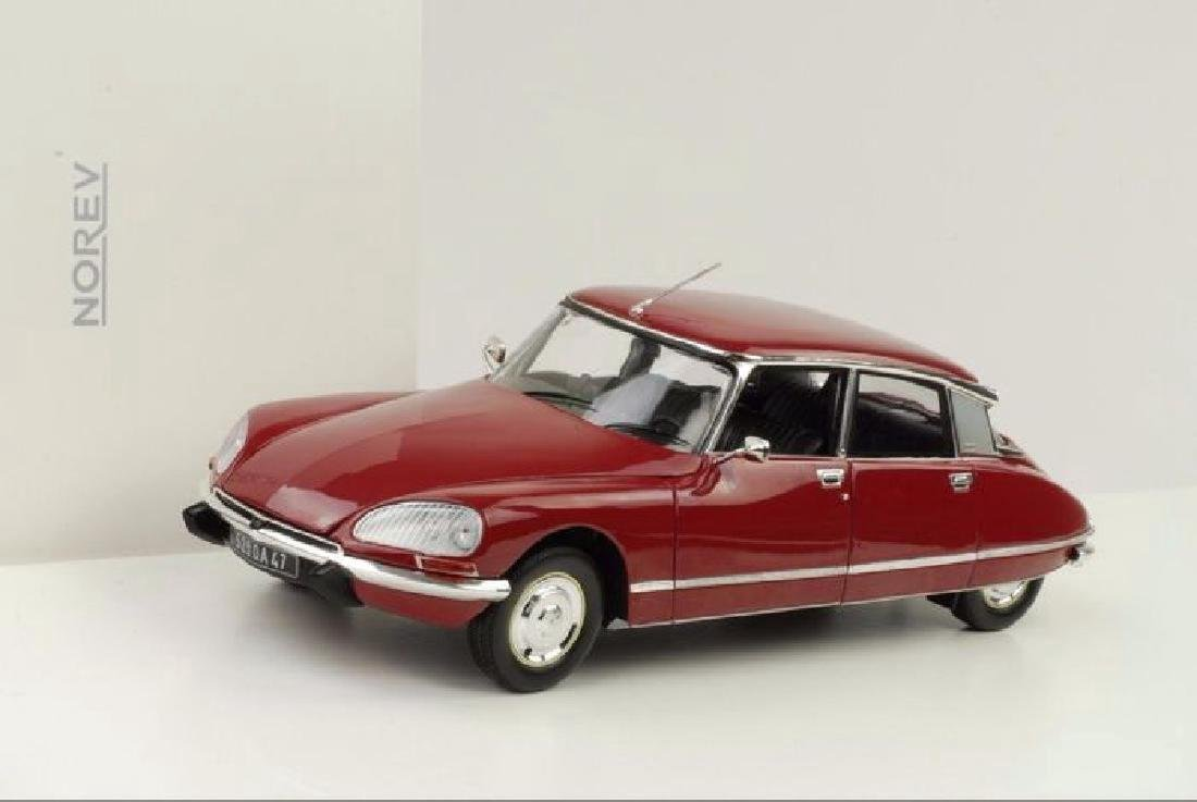 Norev Scale 1:18 Citroën DS23 1973 - 7