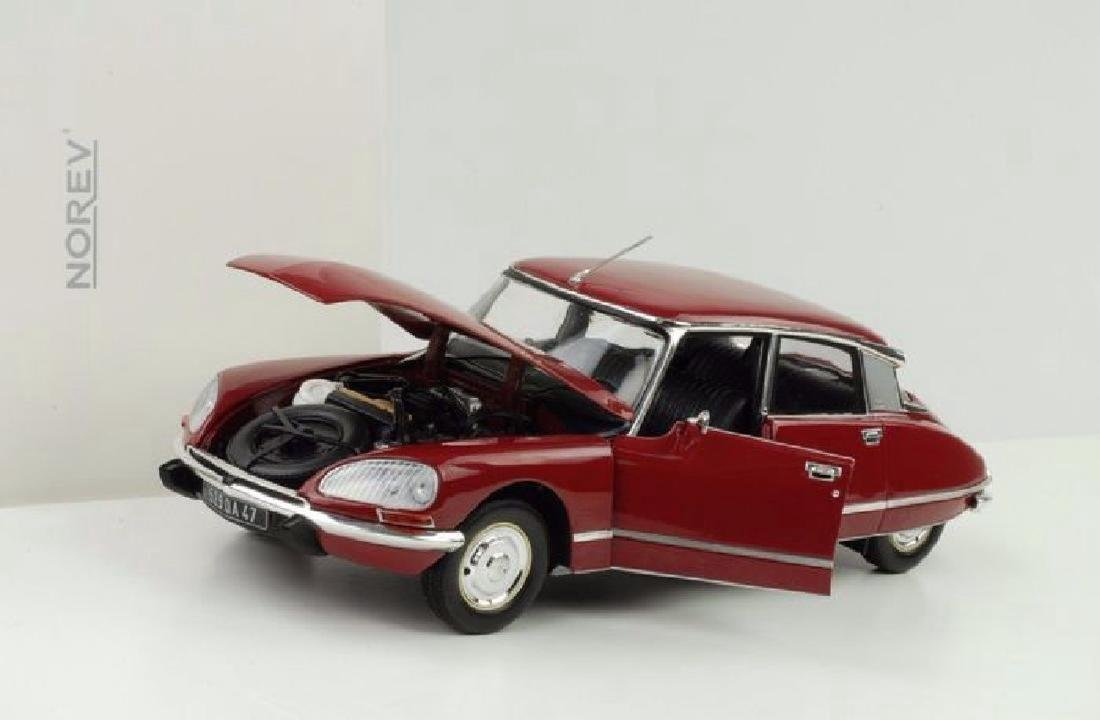 Norev Scale 1:18 Citroën DS23 1973 - 8