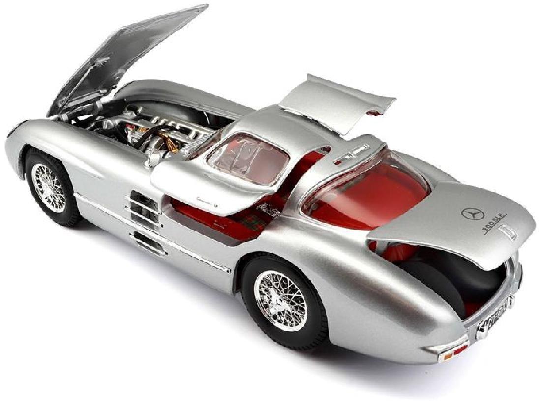 Maisto Scale 1:18 Mercedes-Benz 300 SLR Coupe - 6