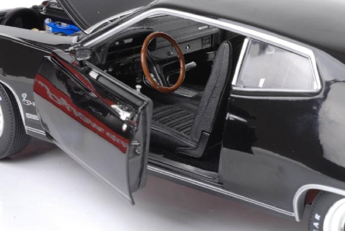 Auto World Scale 1:18 Ford Torino Cobra 1970 - 7