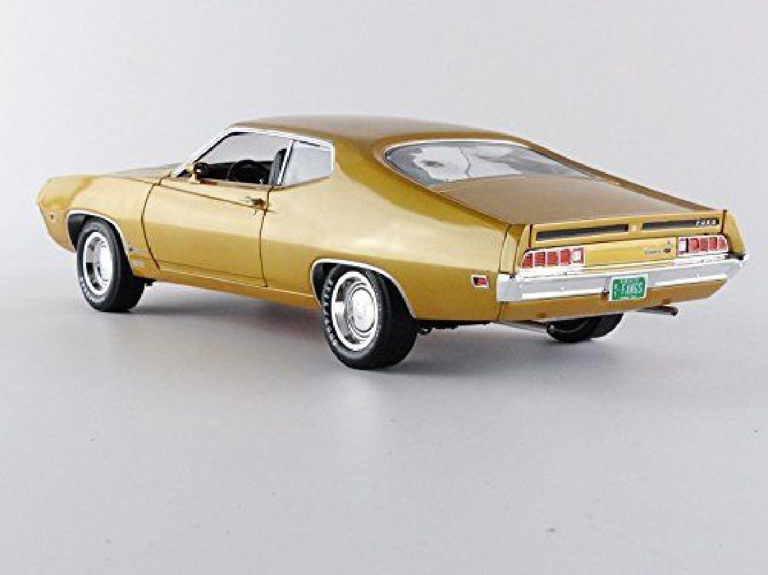 Auto World Scale 1:18 Ford Torino Cobra 1970 - 6