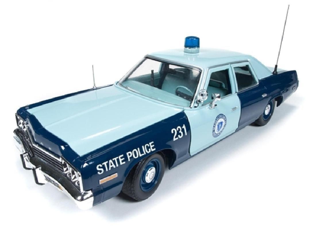 Auto World Scale 1:18 Dodge Monaco State Police 1974