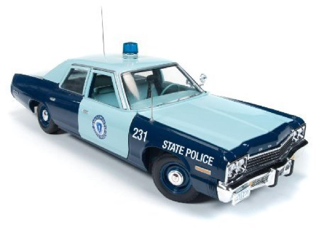 Auto World Scale 1:18 Dodge Monaco State Police 1974 - 3