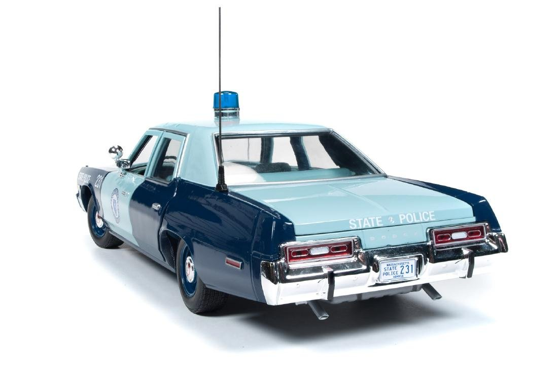 Auto World Scale 1:18 Dodge Monaco State Police 1974 - 8