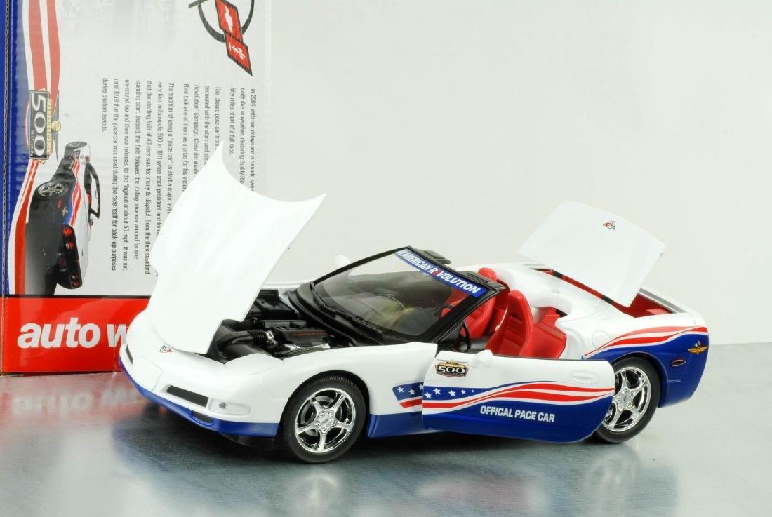 Auto World 1:18 Chevrolet Corvette Indy 500 Car 2004 - 2