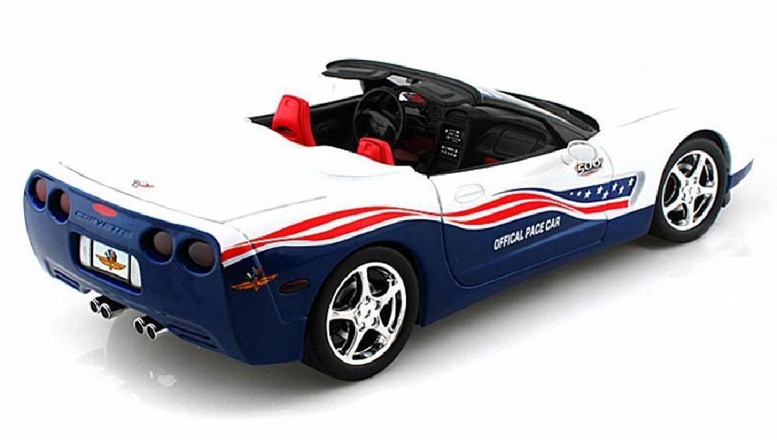 Auto World 1:18 Chevrolet Corvette Indy 500 Car 2004 - 4
