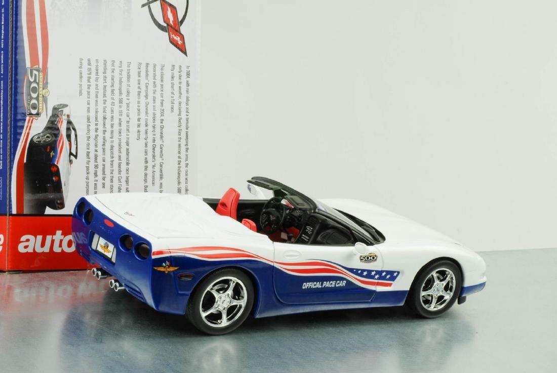 Auto World 1:18 Chevrolet Corvette Indy 500 Car 2004 - 5