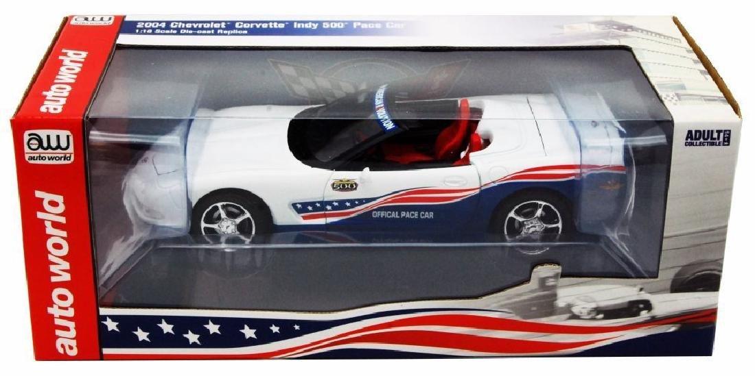 Auto World 1:18 Chevrolet Corvette Indy 500 Car 2004 - 8
