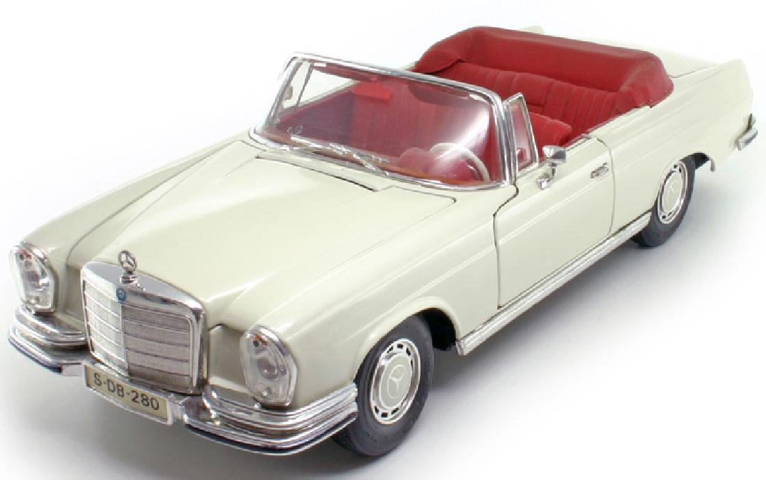 Maisto Scale 1:18 Mercedes-Benz 280SE 1967