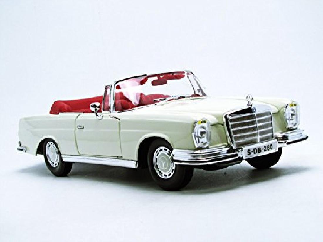 Maisto Scale 1:18 Mercedes-Benz 280SE 1967 - 5