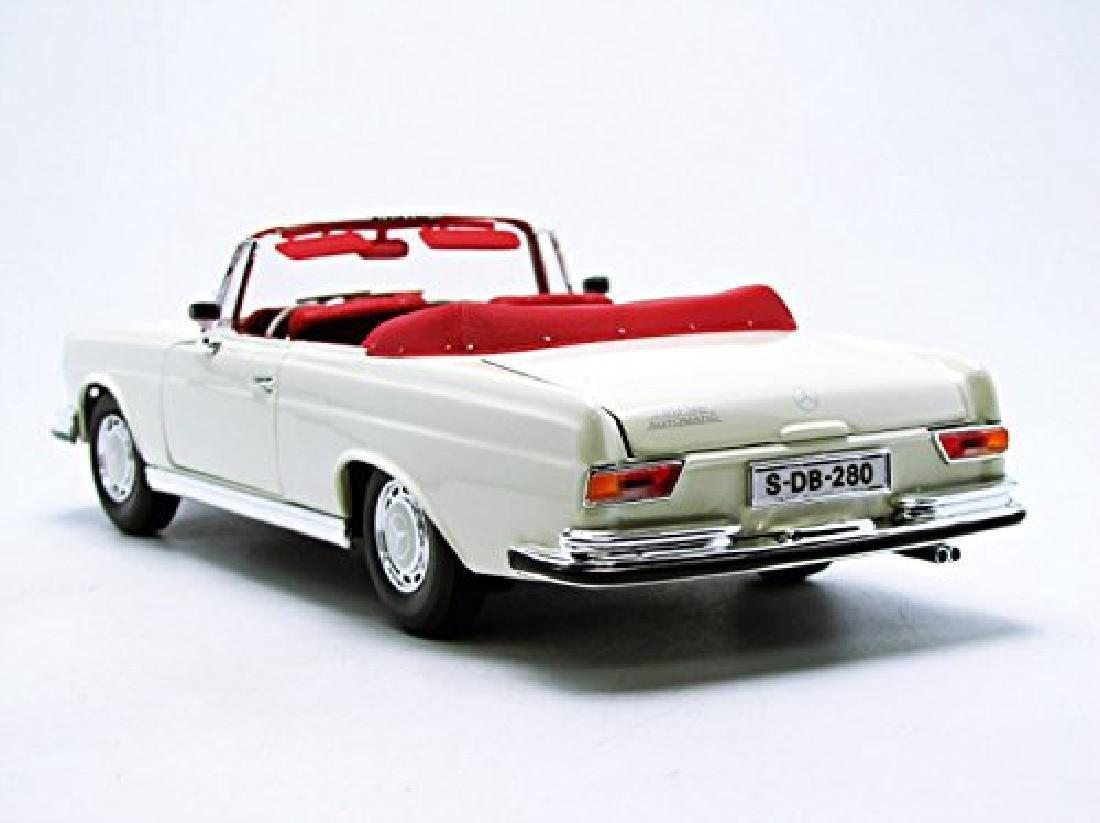 Maisto Scale 1:18 Mercedes-Benz 280SE 1967 - 6
