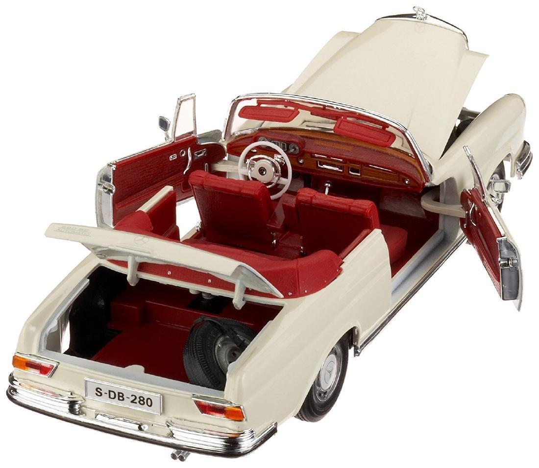 Maisto Scale 1:18 Mercedes-Benz 280SE 1967 - 7