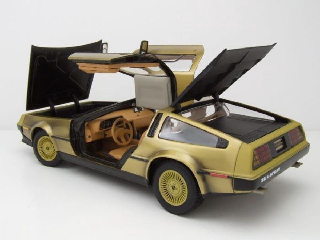 Sun Star Scale 1:18 DeLorean Gold Edition 1981 - 6