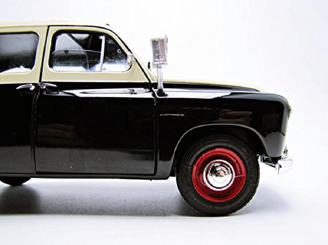 Solido Scale 1:18 Renault Colorale Taxi 1953 - 9