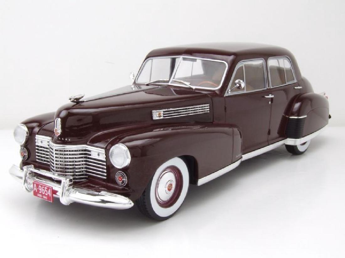 Modelcar Group 1:18 Cadillac Fleetwood Series 60 1941 - 4