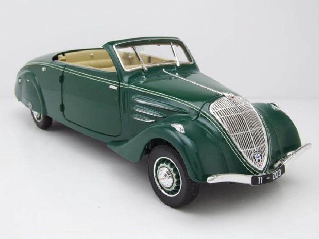Norev Scale 1:18 Peugeot 402 Eclipse 1937 - 2