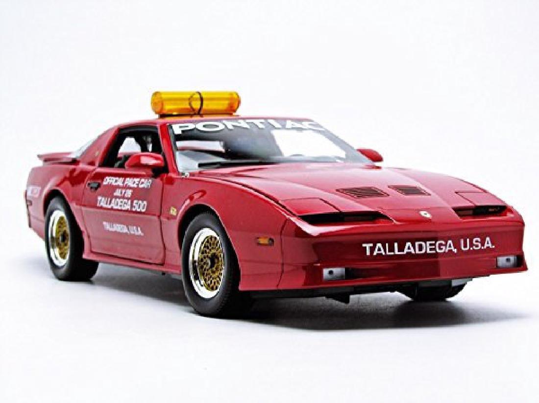 Greenlight 1:18 Pontiac GTA Talladega 500 Pace Car 1987 - 2