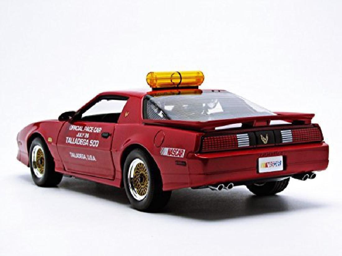 Greenlight 1:18 Pontiac GTA Talladega 500 Pace Car 1987 - 7
