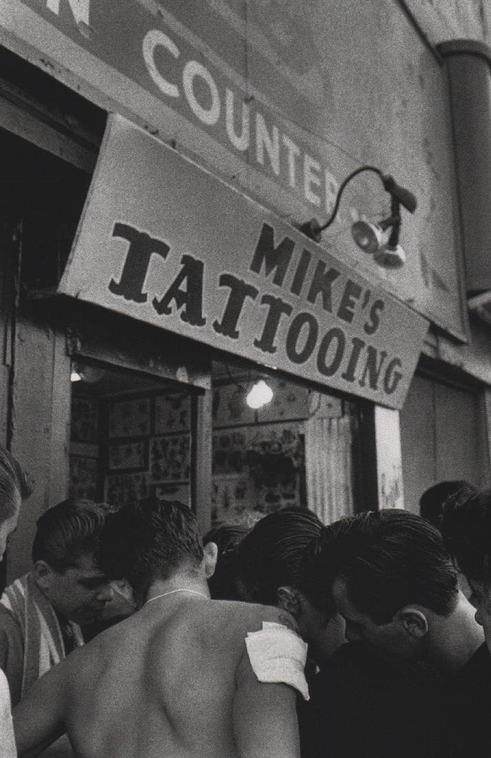 BRUCE DAVIDSON - Mike's Tattooing