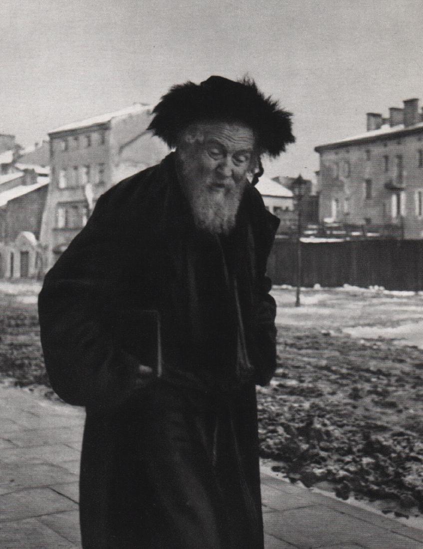 ROMAN VISHNIAC - Cracow, Poland, 1937