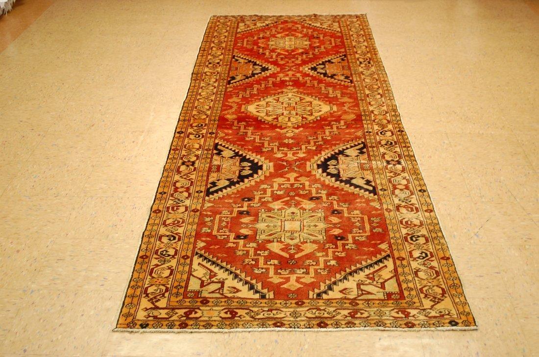 Detailed Subject Design Fine Persian Heriz Rug 3.9x10.7