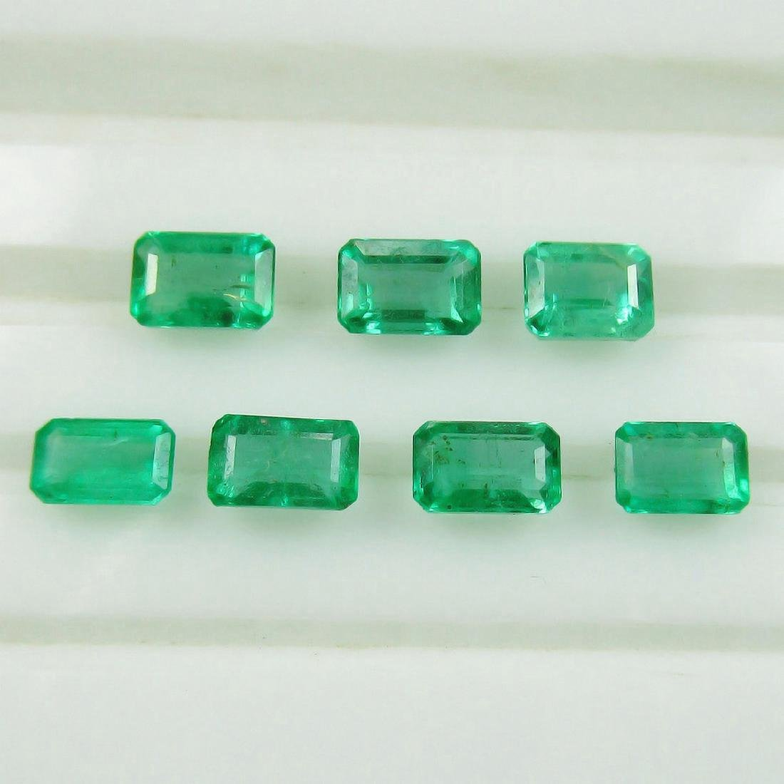 2.77 Carat 7 Loose Octagon Emeralds Necklace Set - 3