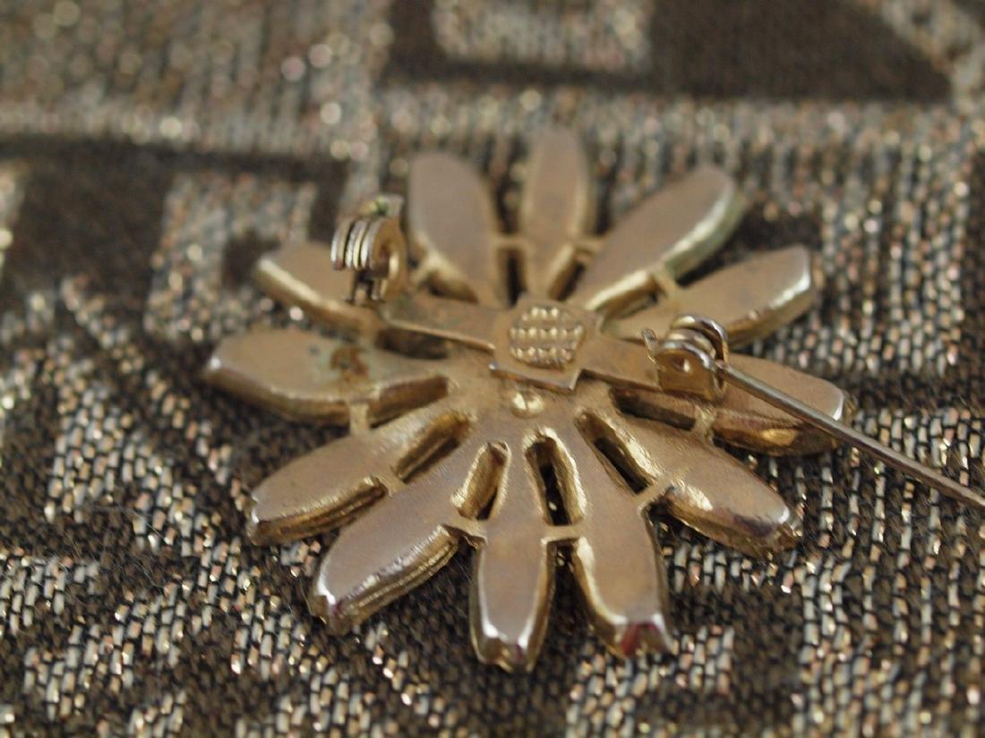 Vintage Brass Brooch Painted Enamel Daisy - 3