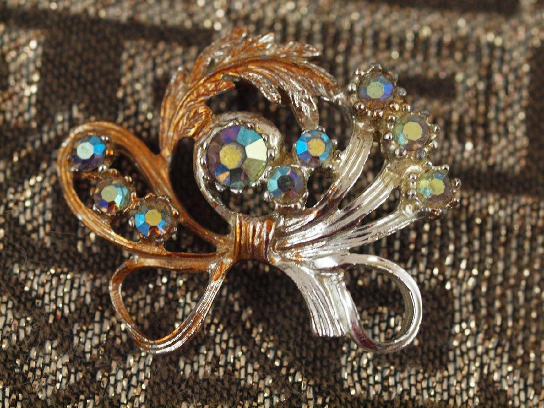Golden Brooch Richly Decorated Art Deco - 2