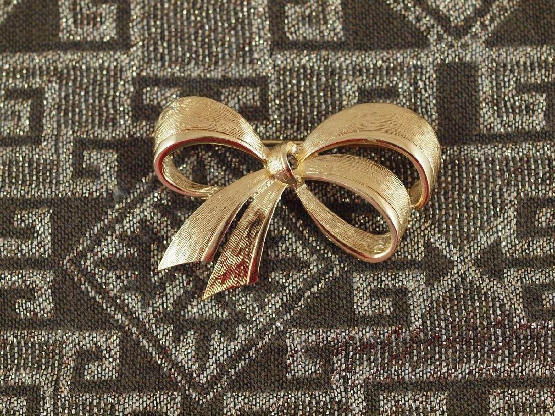 Vintage Brooch 1950s Bow Novag