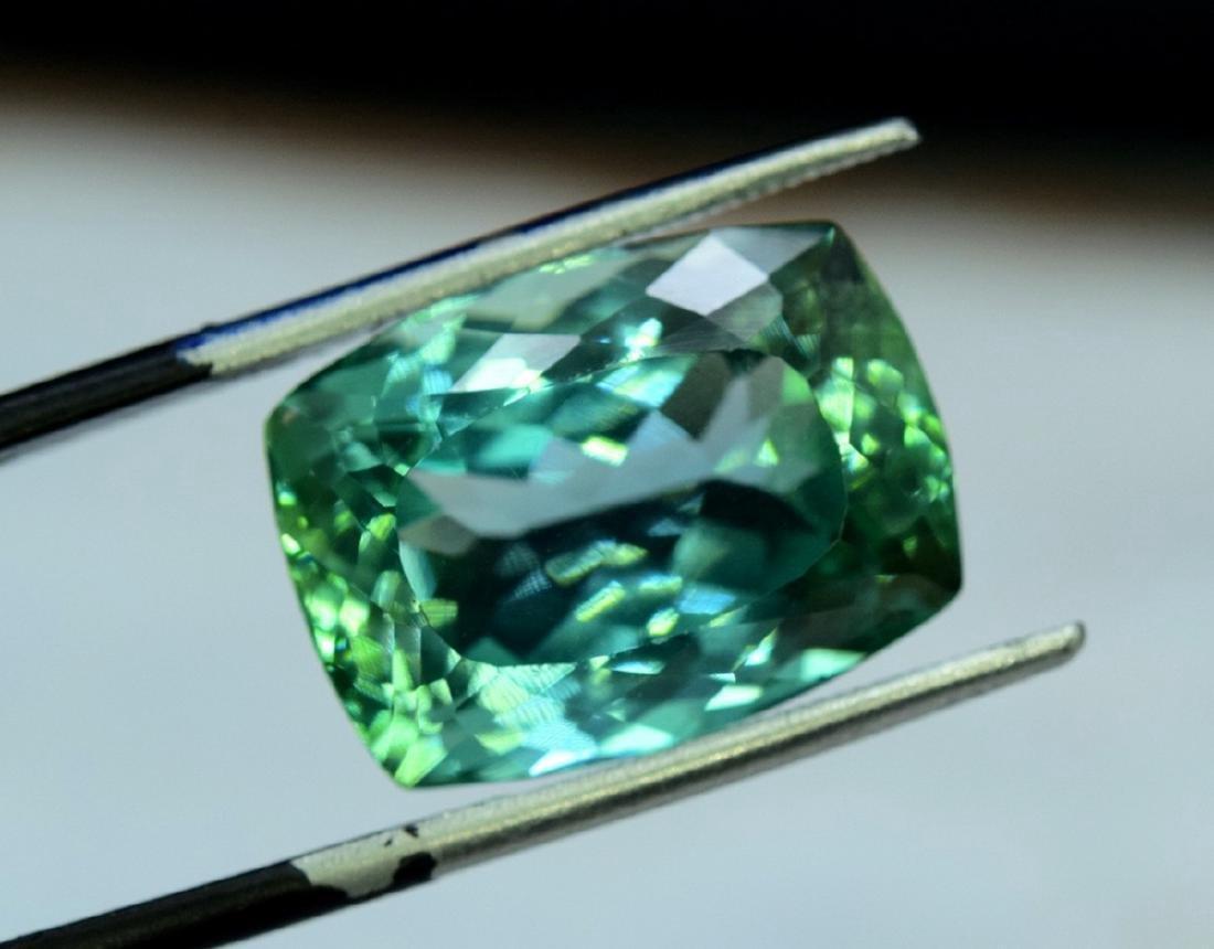 15.05 Carat Flawless Lush Green Kunzite Loose Gemstone - 3