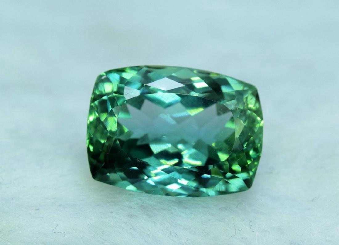 15.05 Carat Flawless Lush Green Kunzite Loose Gemstone - 6