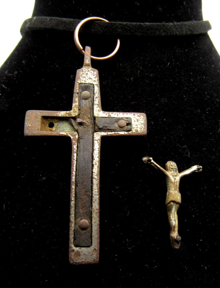 Post Medieval Silvered Bronze Cross Pendant with Wood & - 2