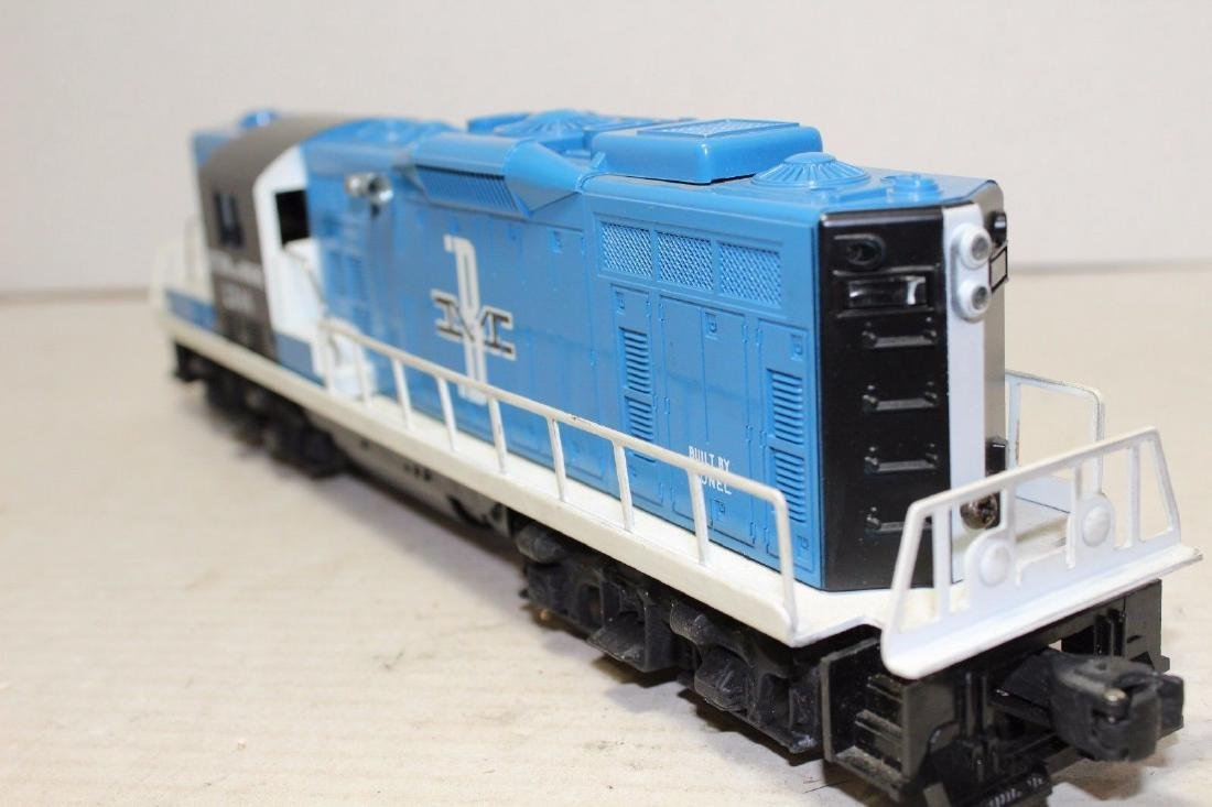 Lionel Postwar 2346 B&M Boston & Maine Diesel GP9 MINT - 10