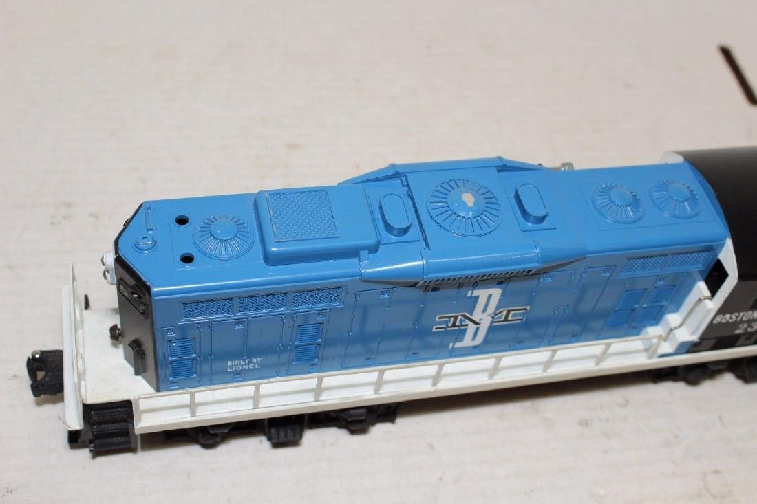 Lionel Postwar 2346 B&M Boston & Maine Diesel GP9 MINT - 5