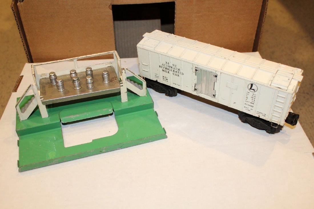 Lionel Postwar 3462 Glossy White Milk Car Platform