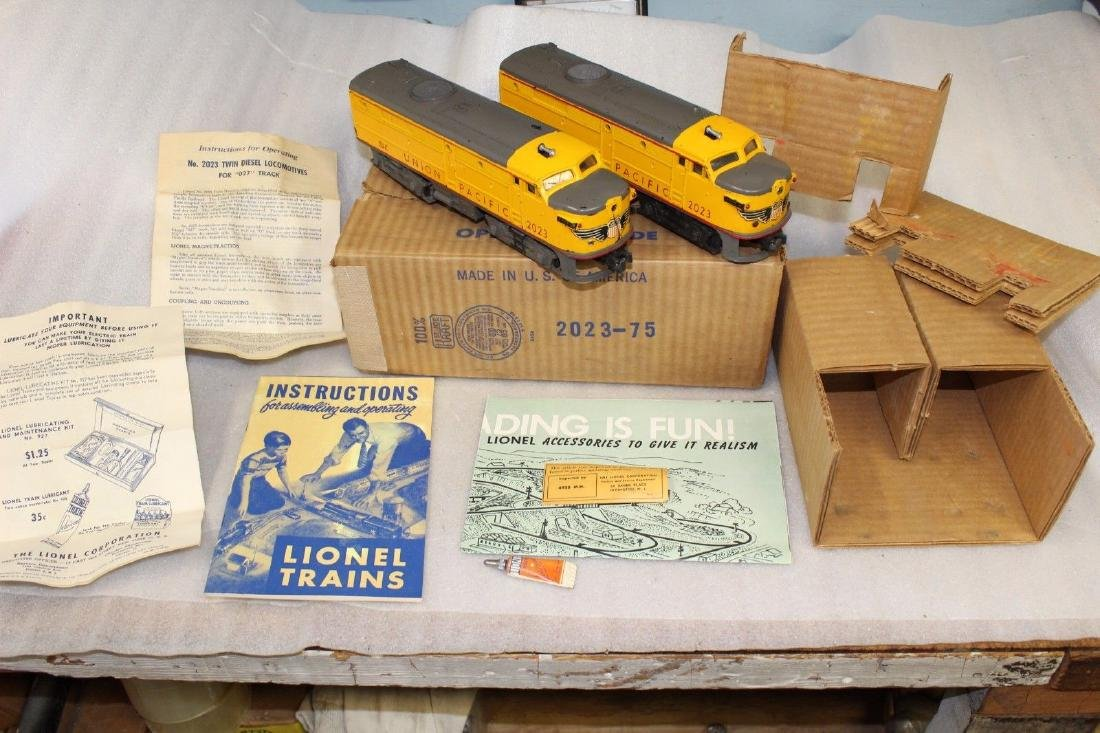 Lionel Postwar 2023 Gray Nose & Side Frames Alco's Box