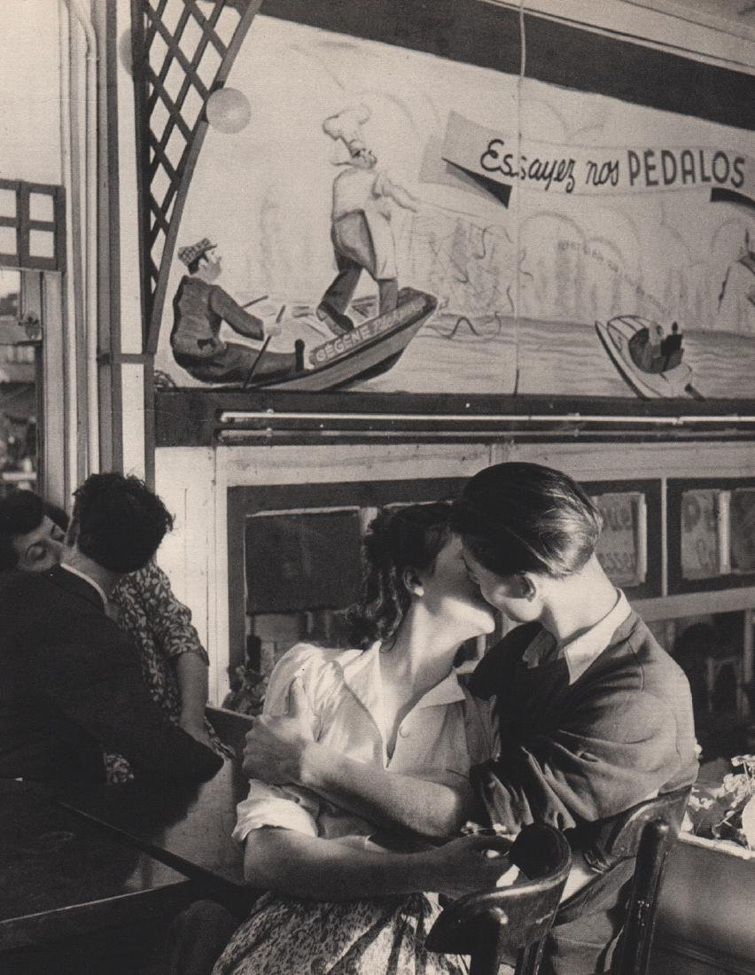 ROBERT DOISNEAU - Amour at Chez Gegene