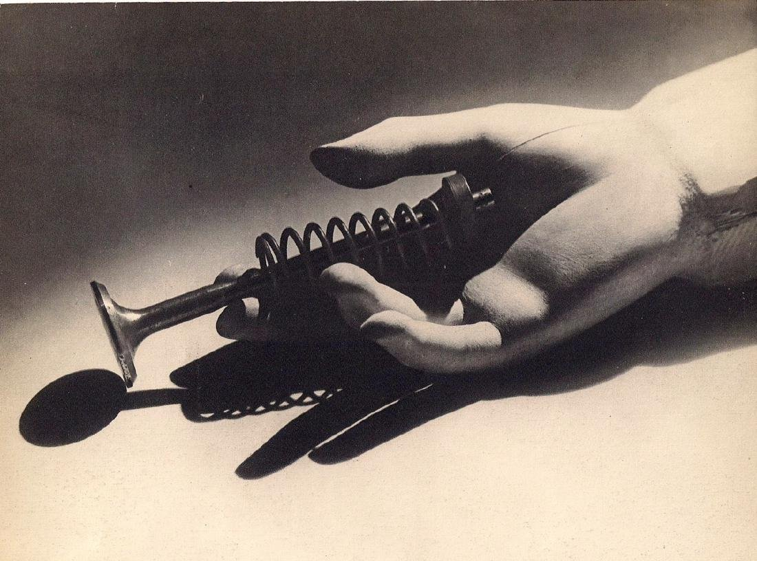 MAN RAY -  Composition
