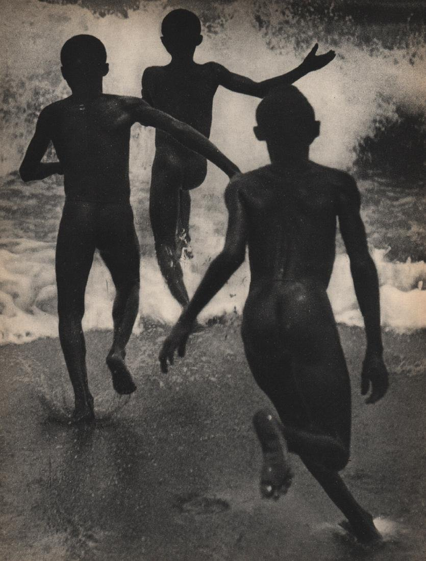 MARTIN MUNKACSI - Three Boys at Lake Tanganyika