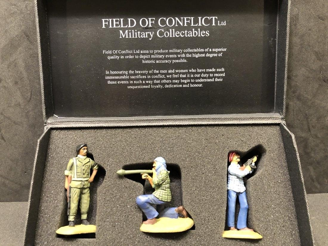 Field Of Conflict Iraqi Infantry With Box. Gulf War