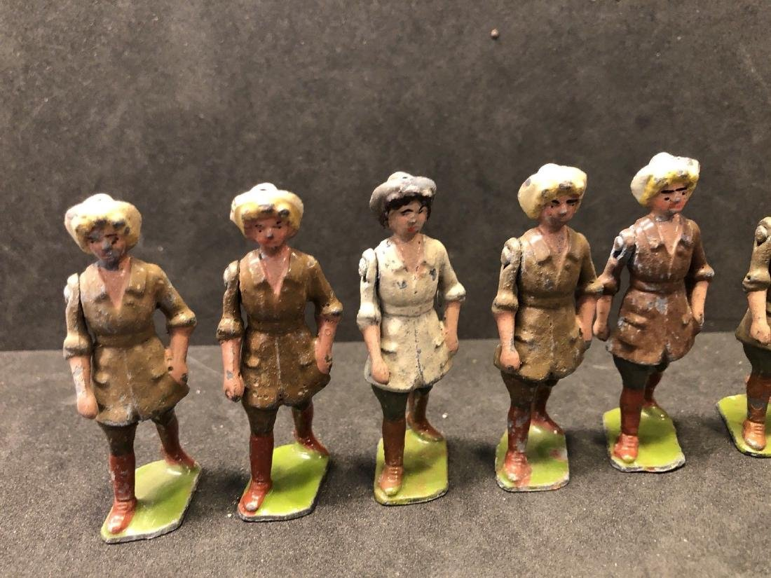 Britains From Set 535 Land Girls Various Colors Pre War - 4