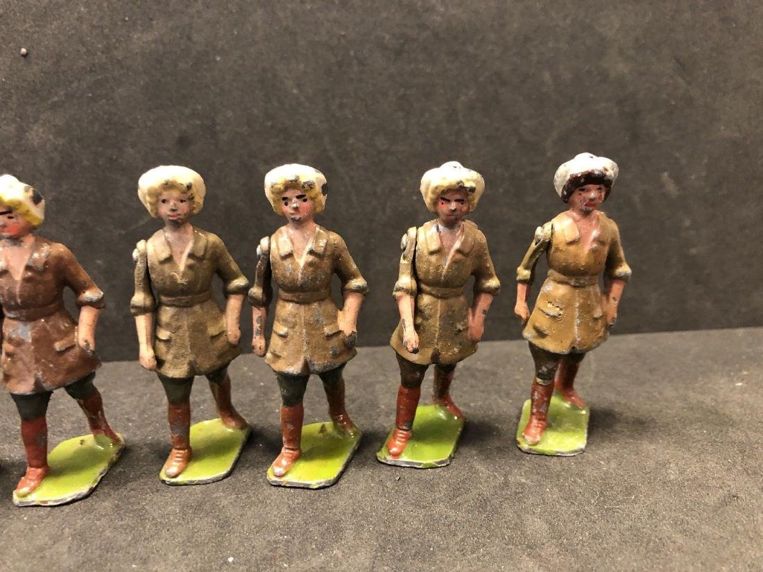 Britains From Set 535 Land Girls Various Colors Pre War - 5