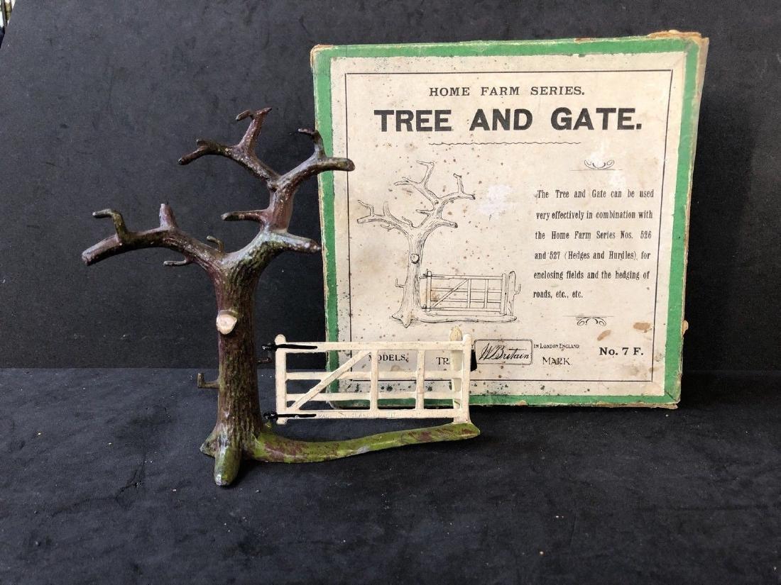 Britains Home Farm Set 7F: Tree And Gate. Pre War & Box