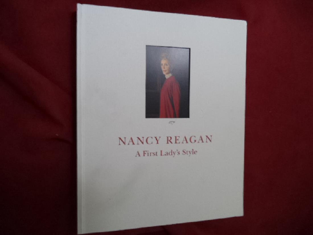 Nancy Reagan First Lady's Style. Urbanelli, Elisa (ed).