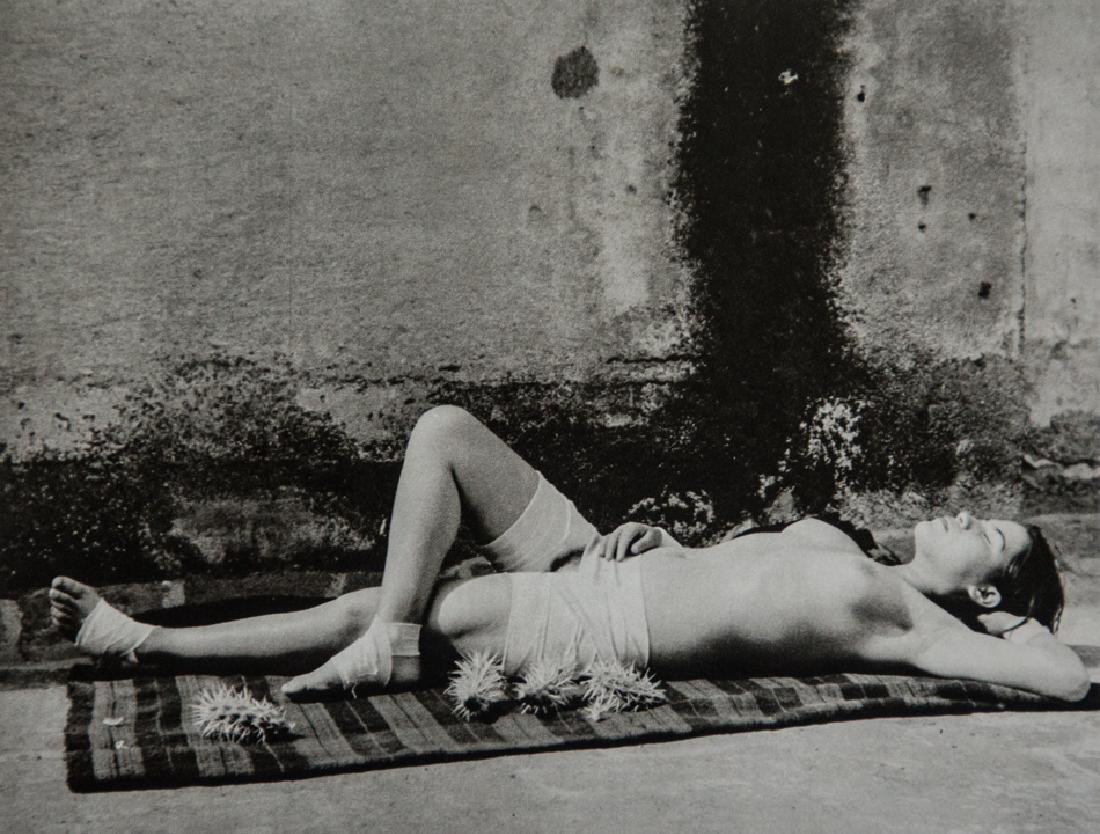 MANUEL ALVAREZ BRAVO - Good Fame Sleeping