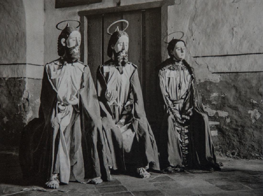 MANUEL ALVAREZ BRAVO - The Visit, 1945